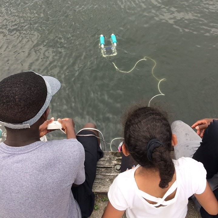 STEMMA youth test their underwater ROVs at camp
